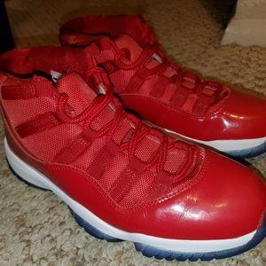 Jordan Retro 11's gym red shoes 8.5